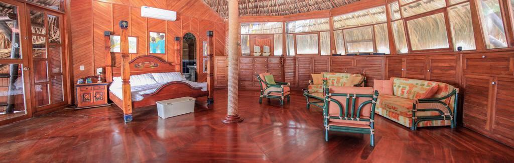 Mucura club hotel, comfortable room made of wood