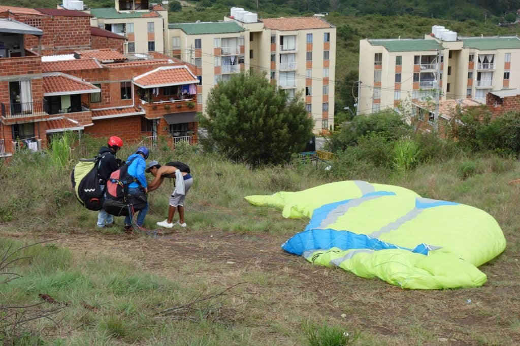Landing in Bello - Paragliding in Medellin