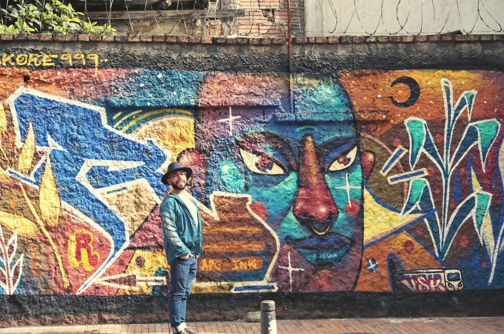 Add the street arts in la Candelaria in your Colombia itinerary