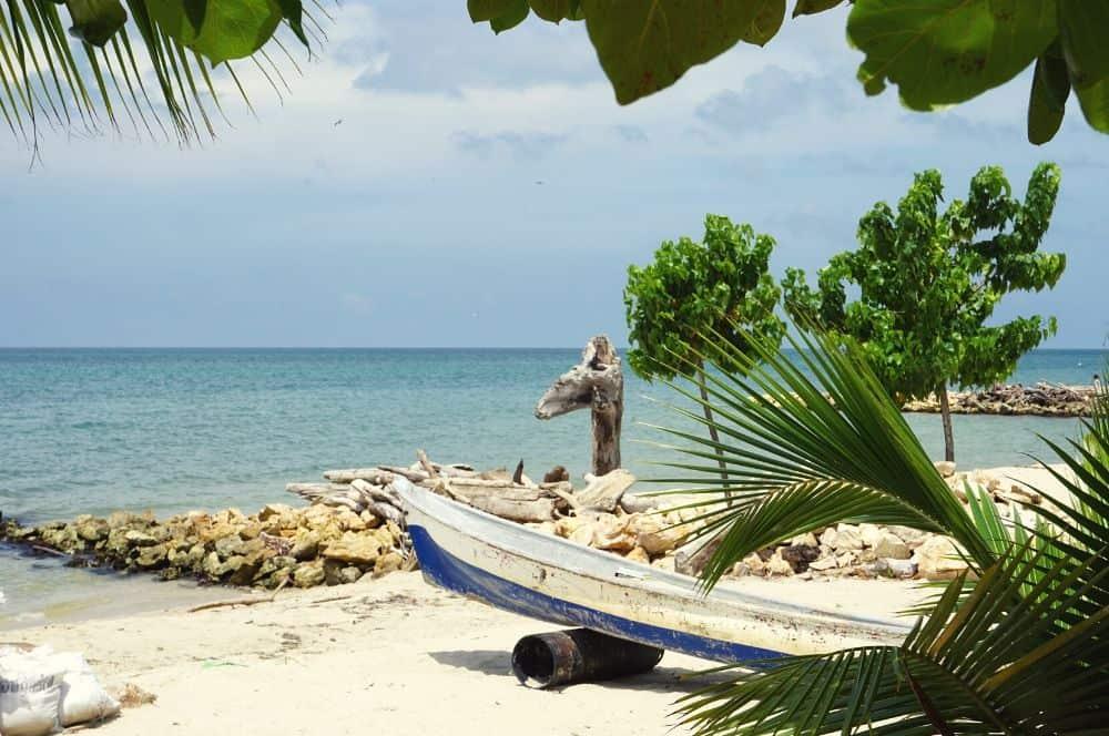 Beach boat rincon del mar
