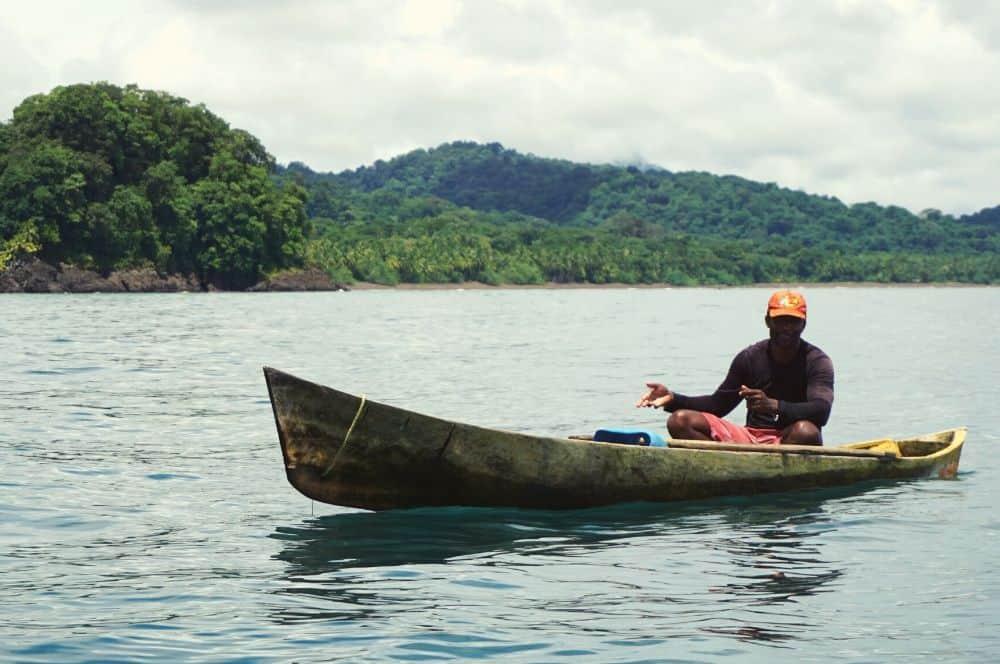 Boat nearby Guachalito (1)
