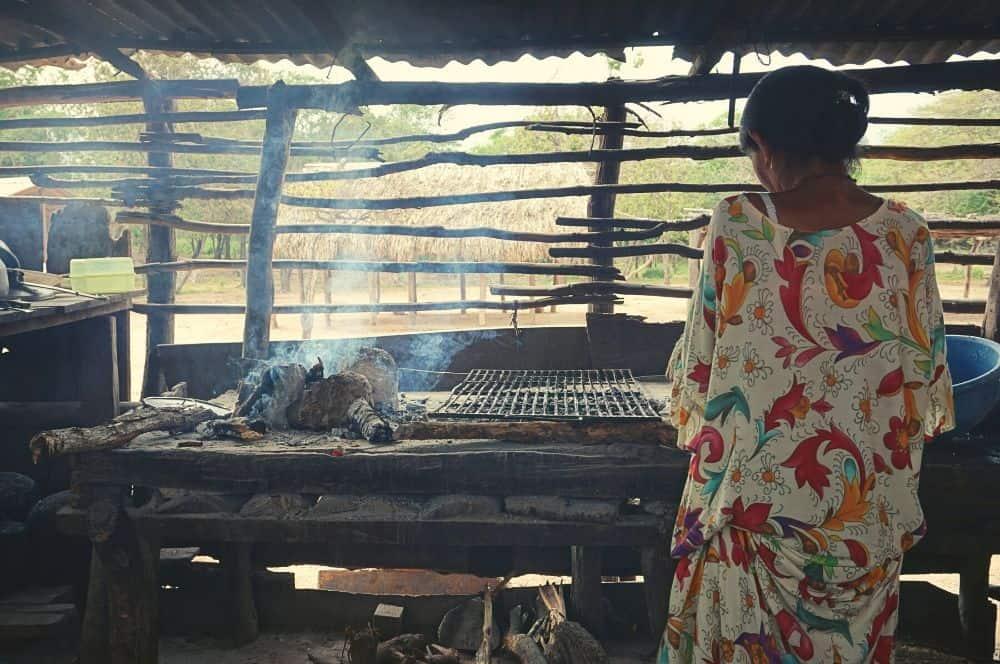 Indigenas Wayuu Cooking Riohacha (1)
