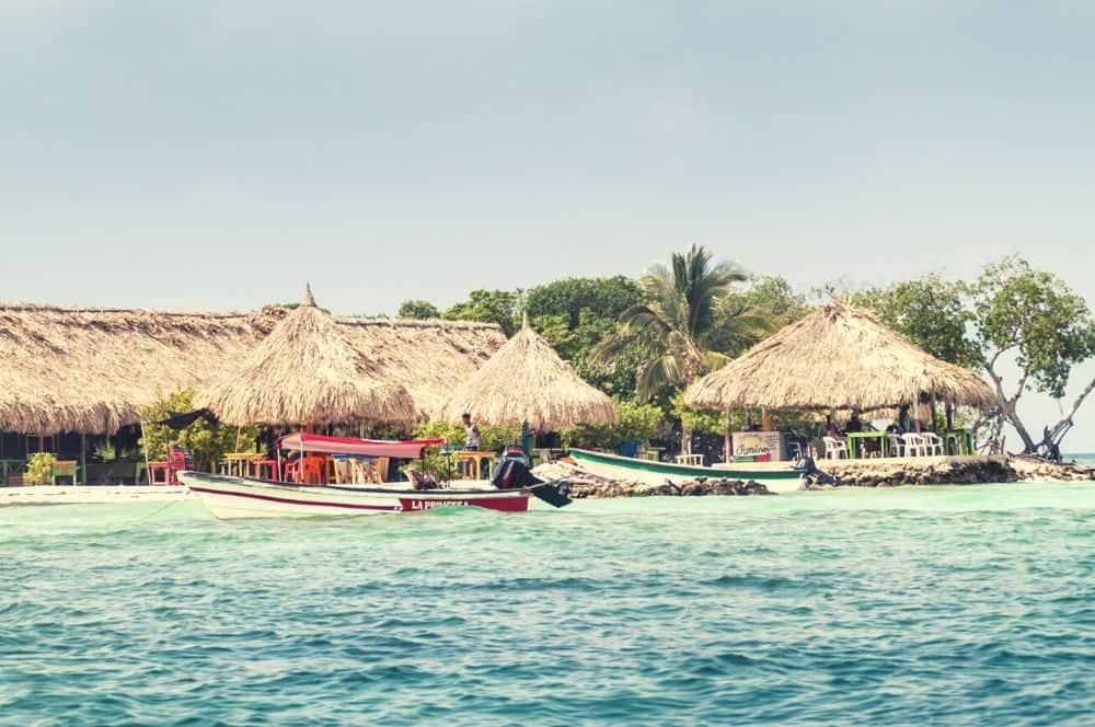 Isla Mucura beach San Bernardo