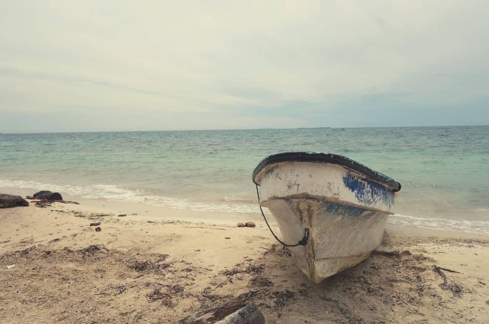 Isla Mucura boat San Bernardo