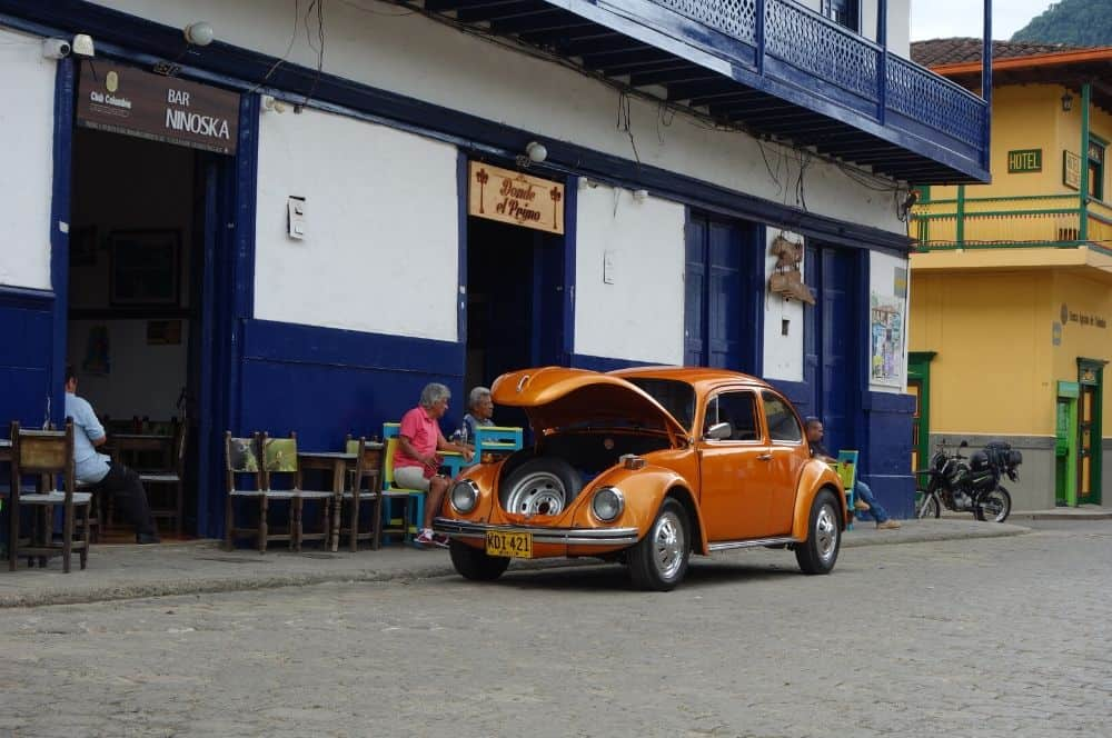 Old Car Main Square Jardin Colombia (1)