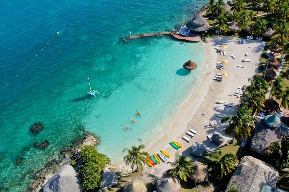 Punta-Faro-Hotel-Isla-Mucura