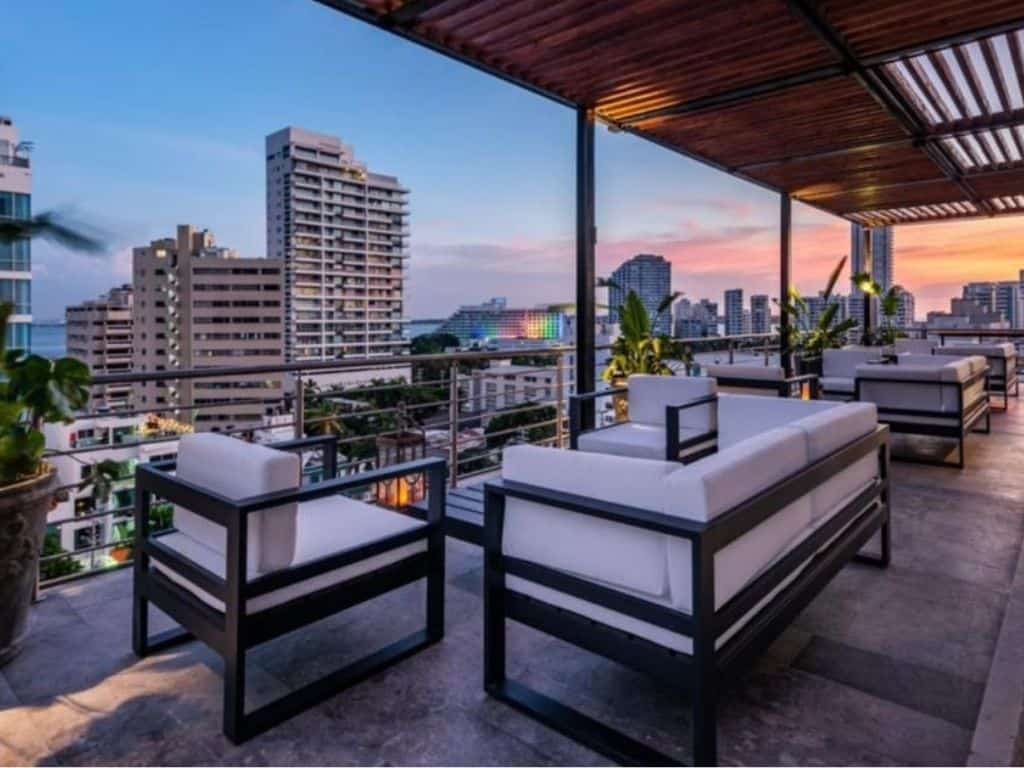 Oz hotel luxury
