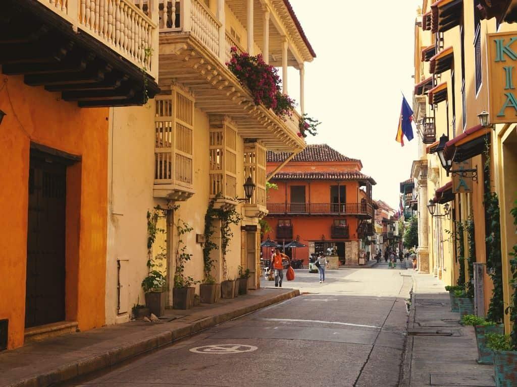 Walking in the street of Cartagena (1)