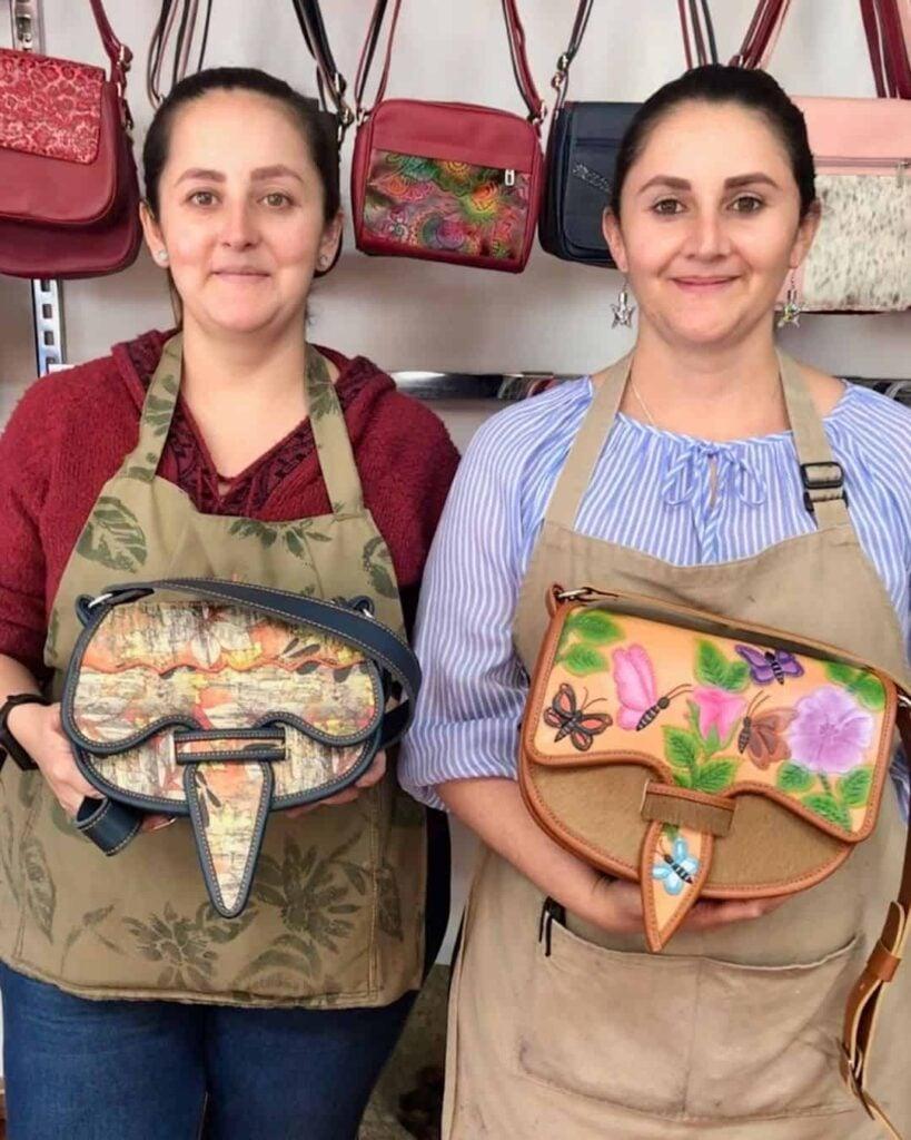 Alejandra y Carolina Carrielarte (1)